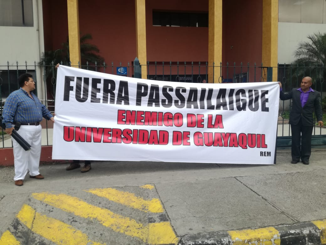 ¿Quiénes pusieron las bombas en la Universidad deGuayaquil?