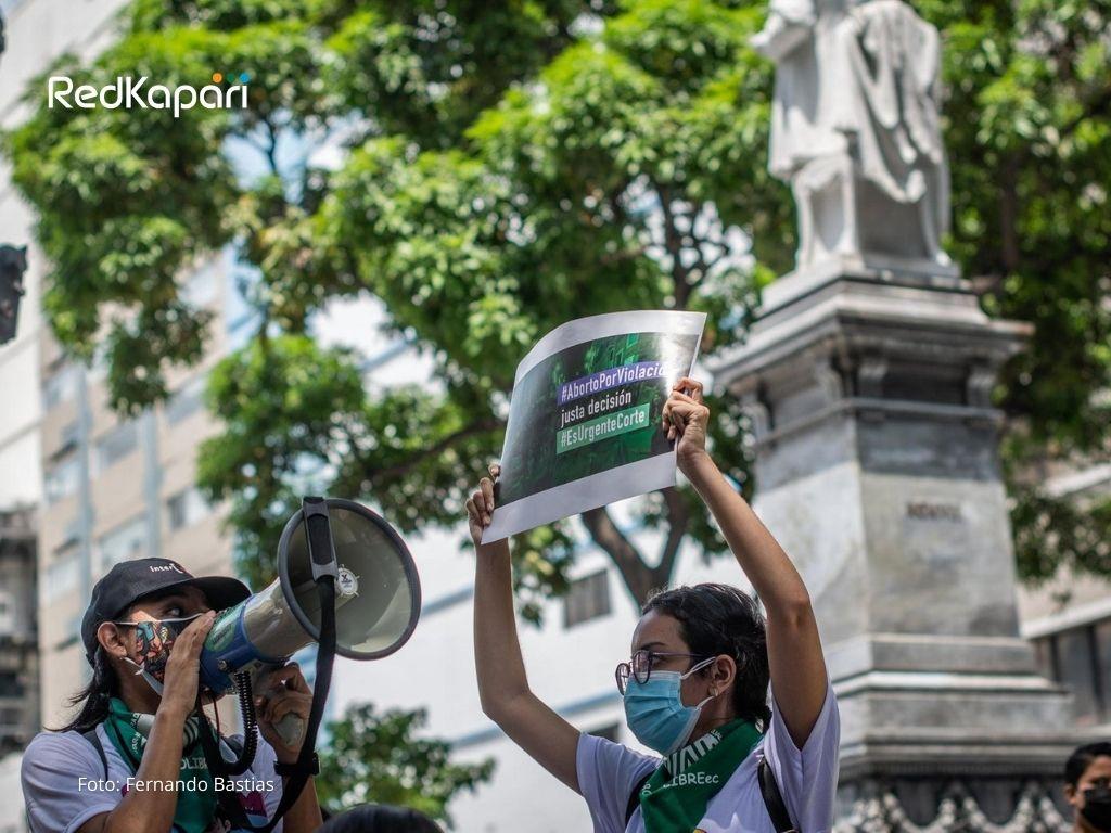 ¿Qué sigue después de la sentencia de la Corte Constitucional sobre la despenalización social del aborto por violación enEcuador?